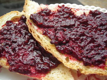 Borden - blackberry jam on toast