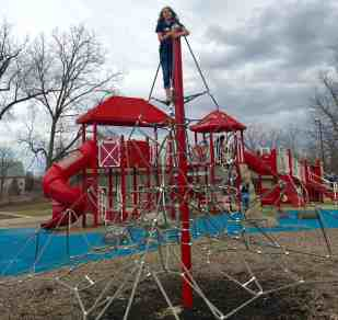 Mess Free Playgrounds - County Farm Park - Climbing the Web