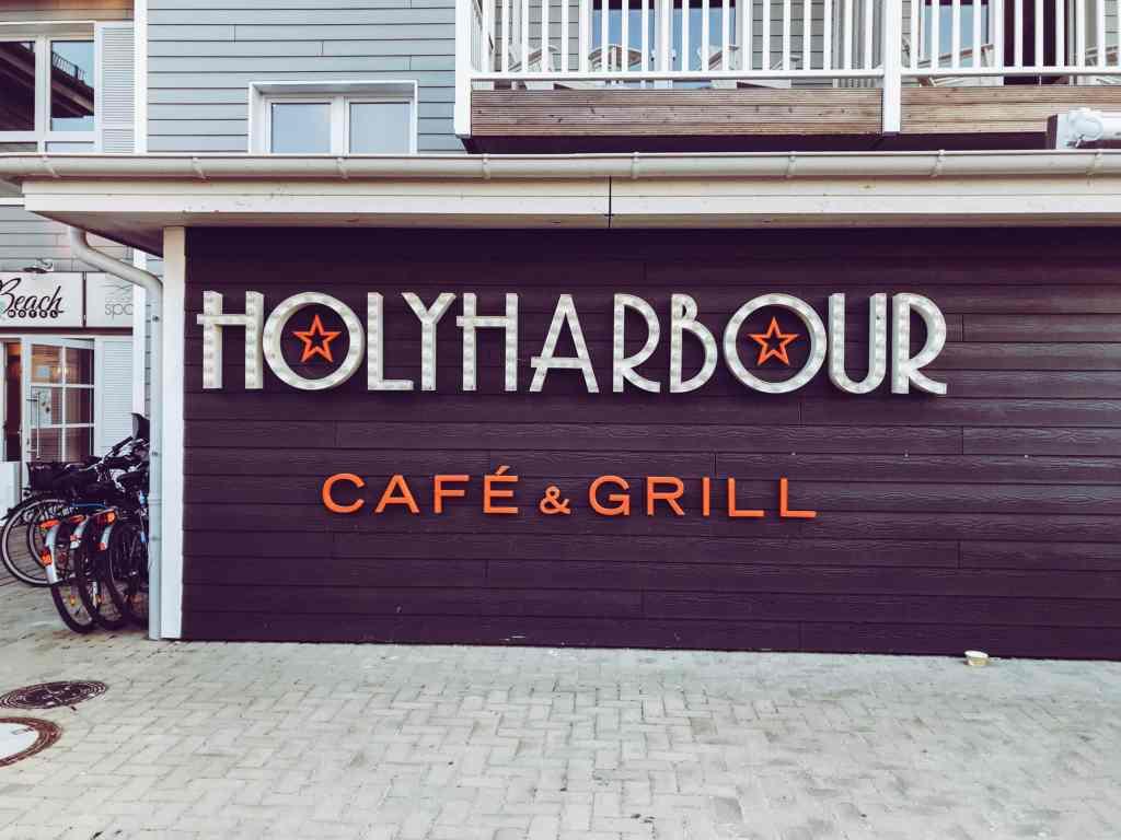 Holy Habour restaurant Beach Motel