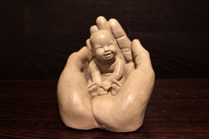 hands-1201785_640