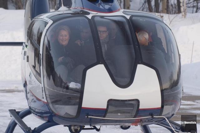Arrivée de l'hélicoptère de Pauline Marois à Shawinigan (Le Nouvelliste), 4 février 2014