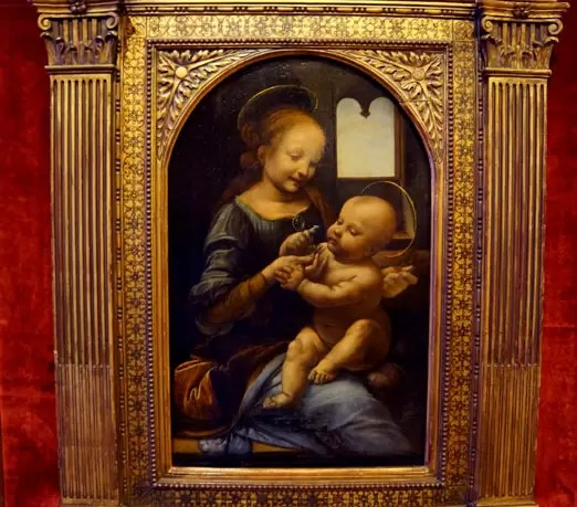 Top pick in our Hermitage Museum guide: Leonardo da VInci Benois Madonna in State Hermitage Museum St. Petersburg