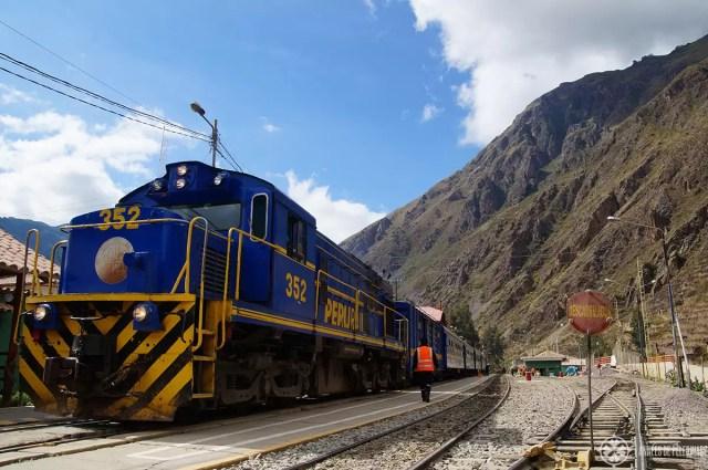 The PeruRail Vistadome in the train station of Ollantaytambo to Machu Picchu, Peru
