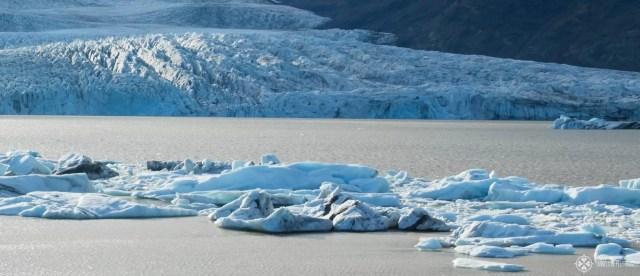 blue iceberg floating in the Fjallsárlón Glacier Lagoon near Höfn in Iceland