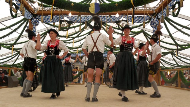 traditional oktoberfest costume men and women
