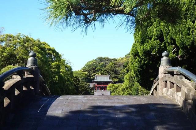 The Tsurugaoka Hachimangū temple in Kamakura, Japan - a day trip away from Tokyo