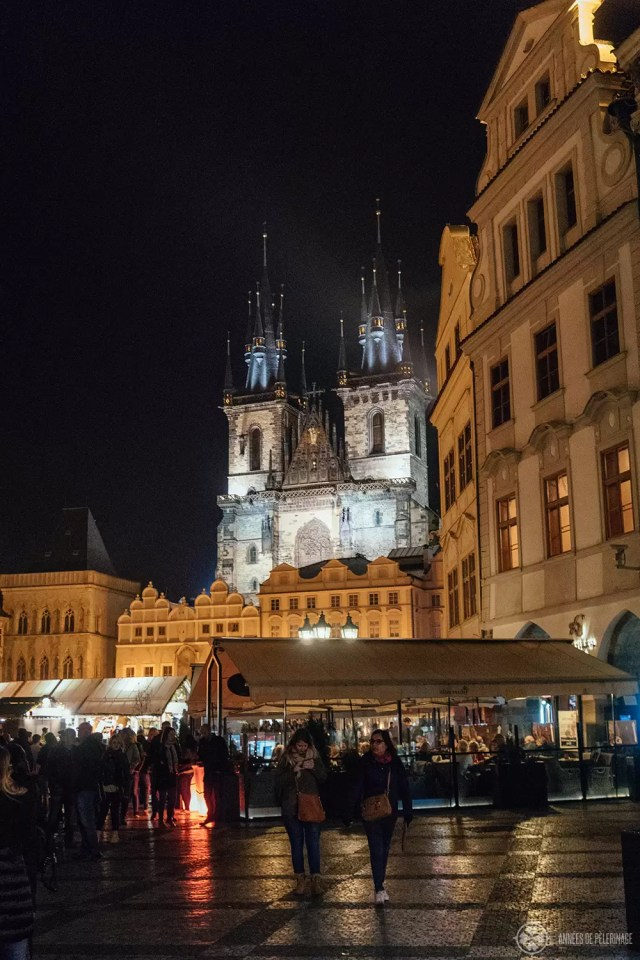 THe old town square in Prague at night