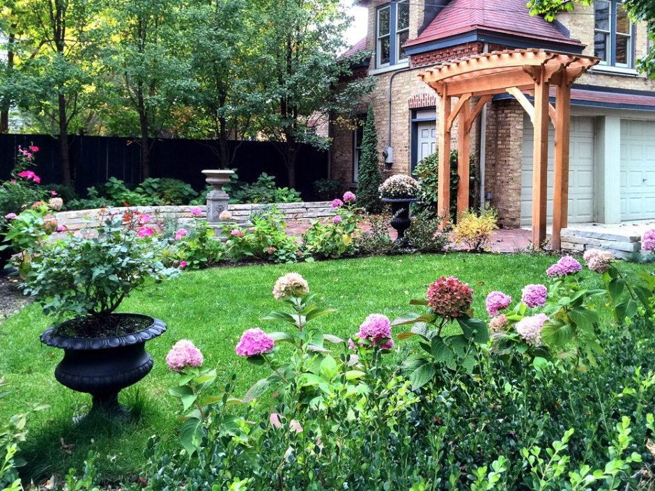 Anne Roberts Gardens CHICAGO-LANDSCAPING