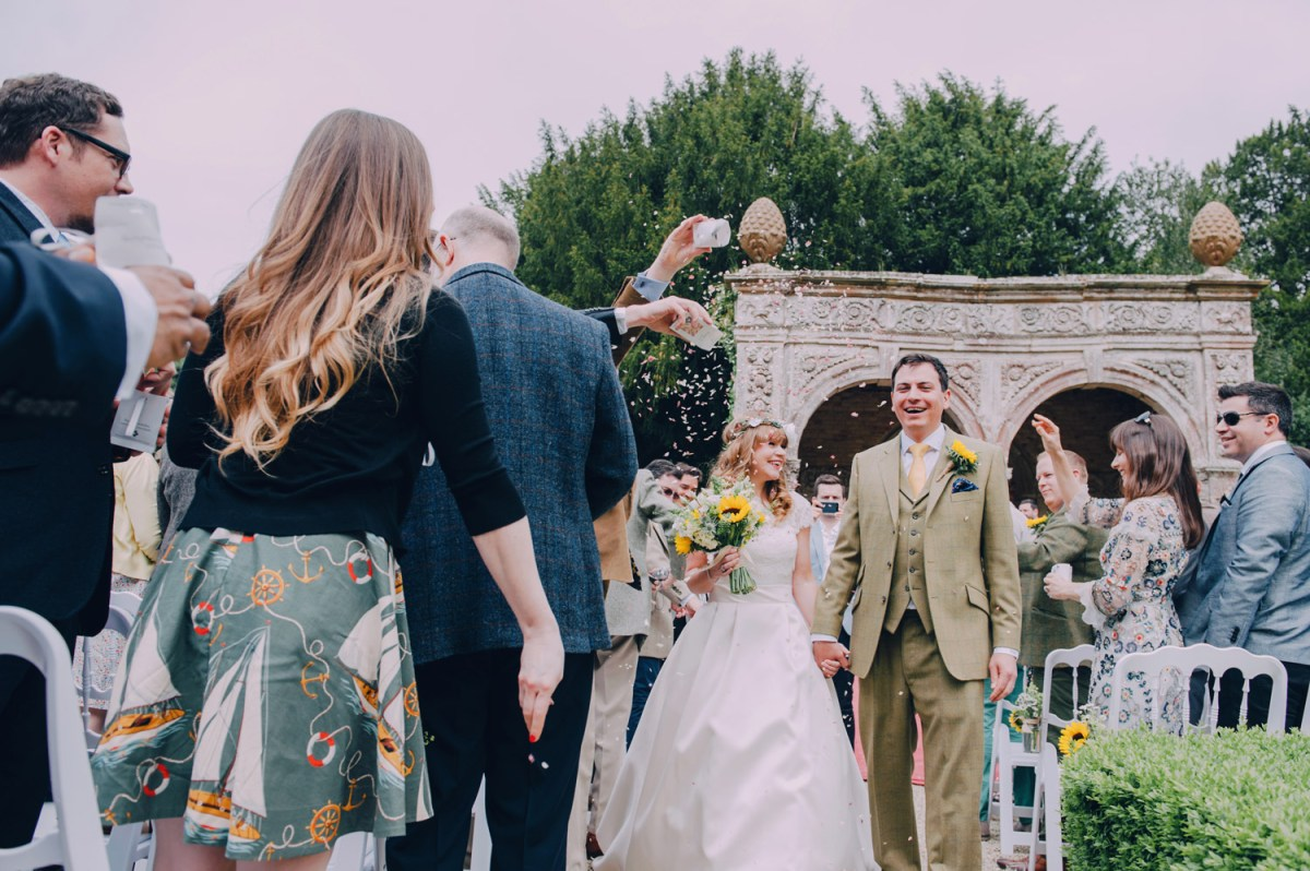 ettington-park-hotel-wedding-ceremony-outside-confetti-fun