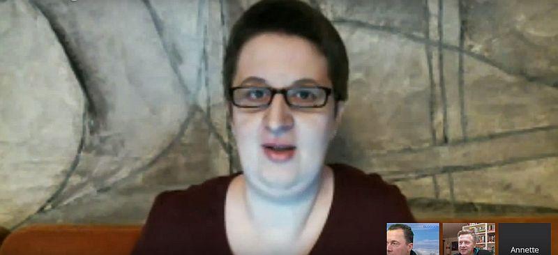Annette Schwindt im Hangout
