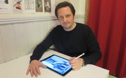 Morten N. Pedersen drawing on his ipad