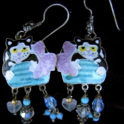 Enamelled cat earrings
