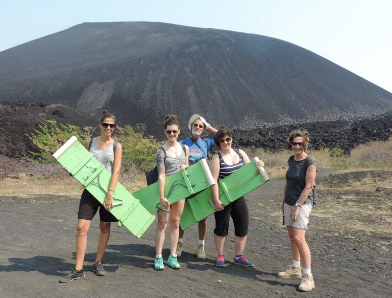 Groupe de Volcano Boarding, Léon - Nicaragua