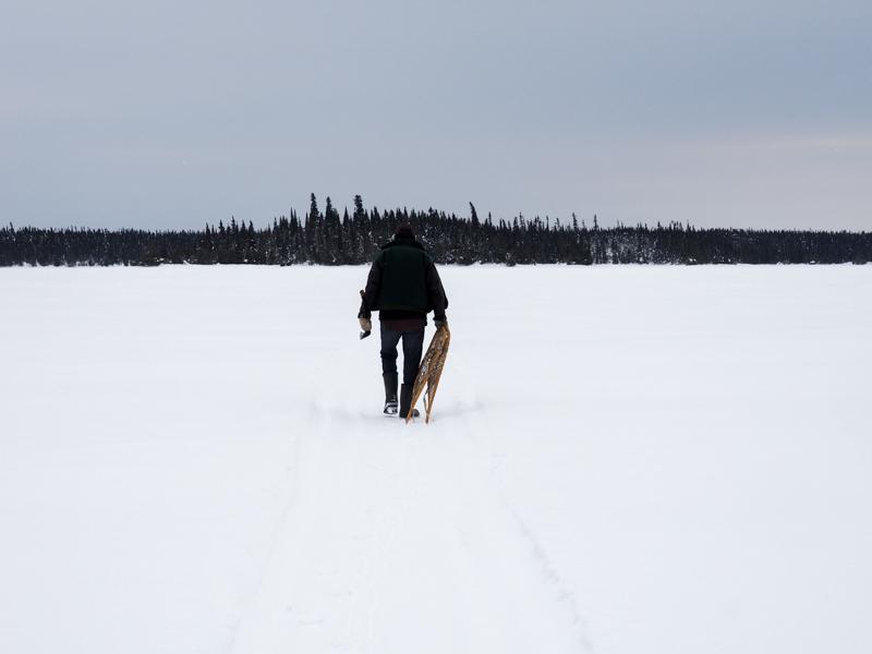 Marche sur le lac Scott en hiver
