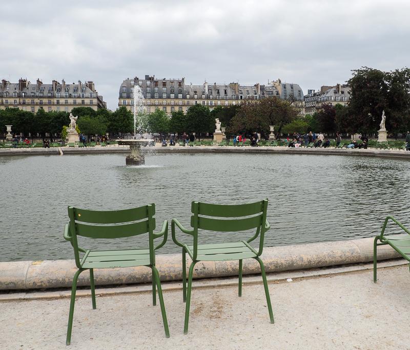 Chaises aux Jardins des Tuileries.