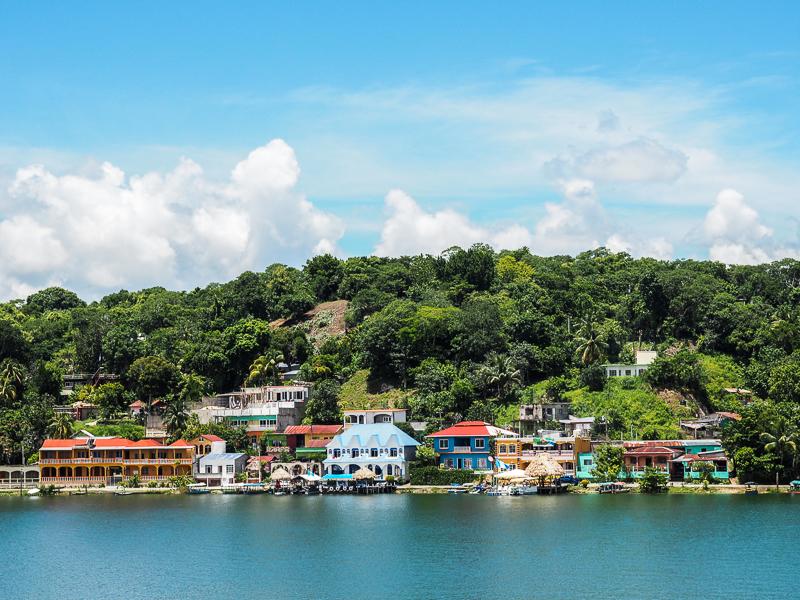 Ville île de Flores, au Guatemala