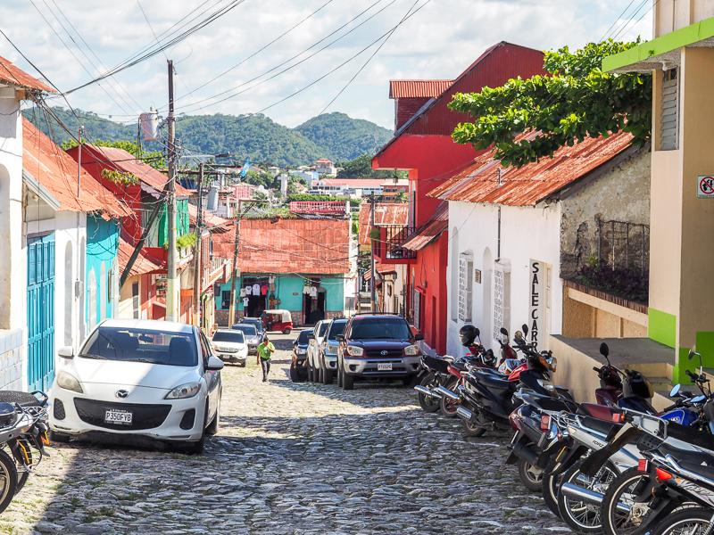 Rue de Flores, au Guatemala