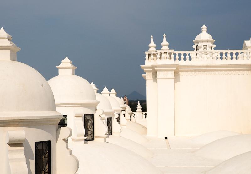 Cathédrale de Léon au Nicaragua, reconnue pour son toit blanc immaculé