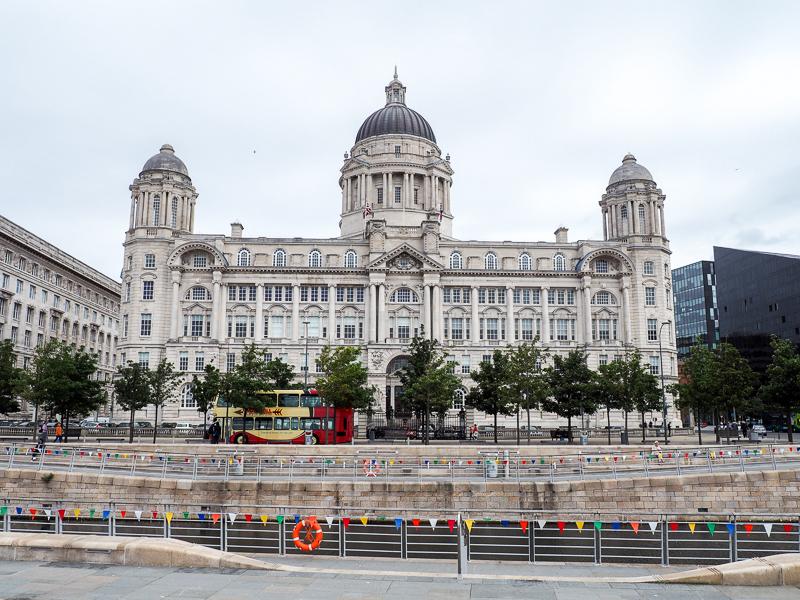Vieux bâtiments près du port de Liverpool