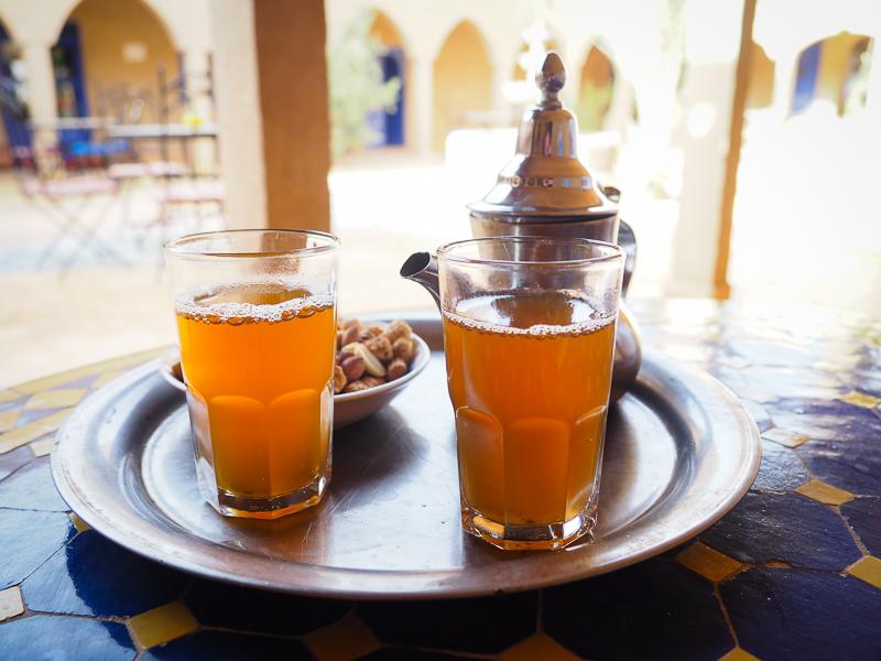 Thé à la menthe, typique de l'accueil marocain