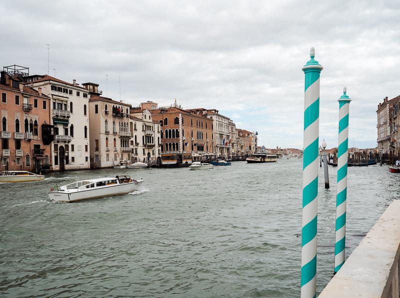 Terrasse de la Collection Guggenheim de Venise, avec vue sur le Grand Canal