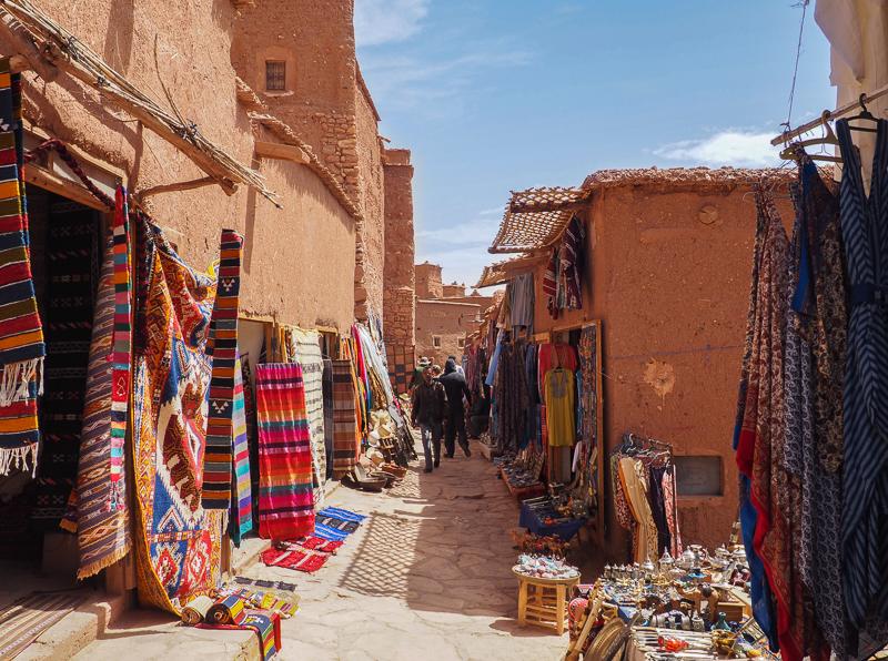 Souk à visiter dans la kasbah d'Aït-Ben-Haddou au Maroc