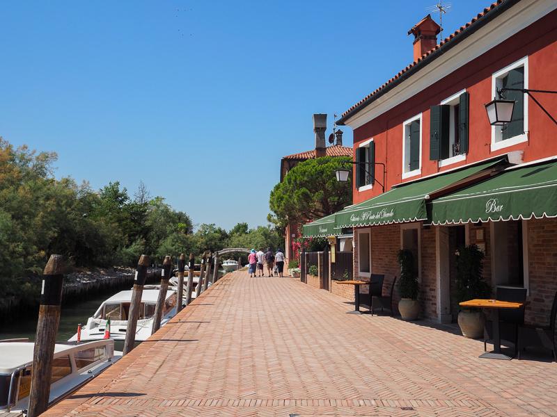 Long chemin de l'île Torcello de Venise
