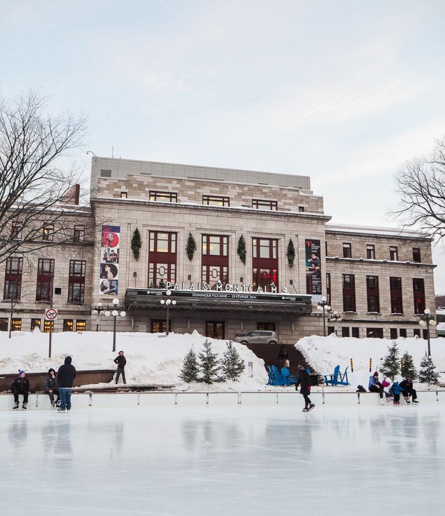 Patinoire de la Place d'Youville à Québec