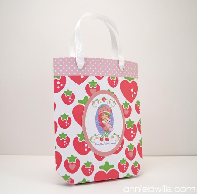 print-cut-strawberry-shortcake-card-and-gift-bag-by-annie-williams-bag-detail
