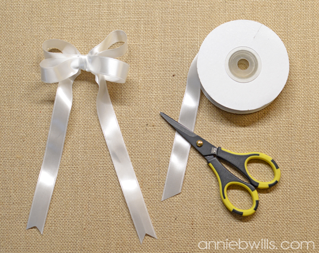 Springtime Heart Wreath by Annie Williams - Ribbon