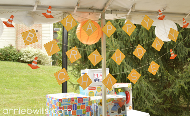construction-party-decor-by-annie-williams-finished-banner