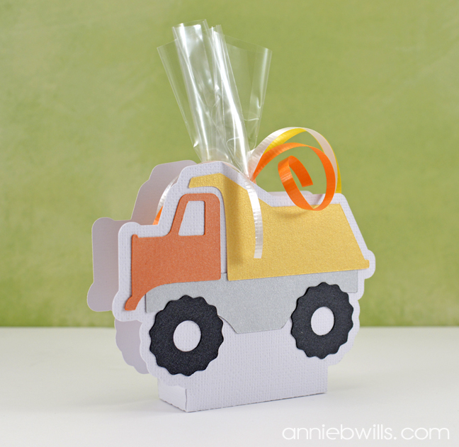 construction-party-decor-by-annie-williams-finished-dumptruck-favor