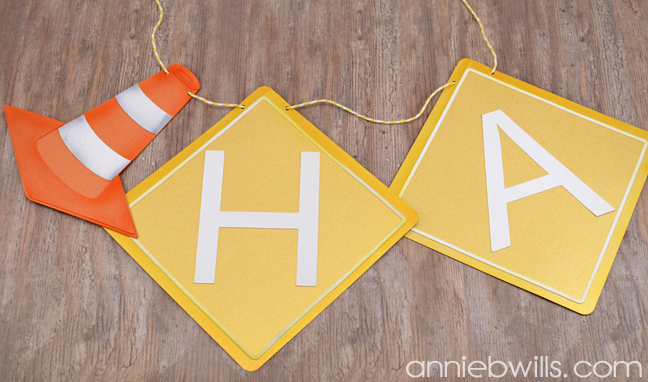 construction-party-decor-by-annie-williams-string-banner