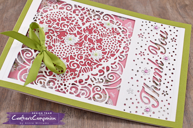 floral-lace-heart-replica-card-by-annie-williams-detail