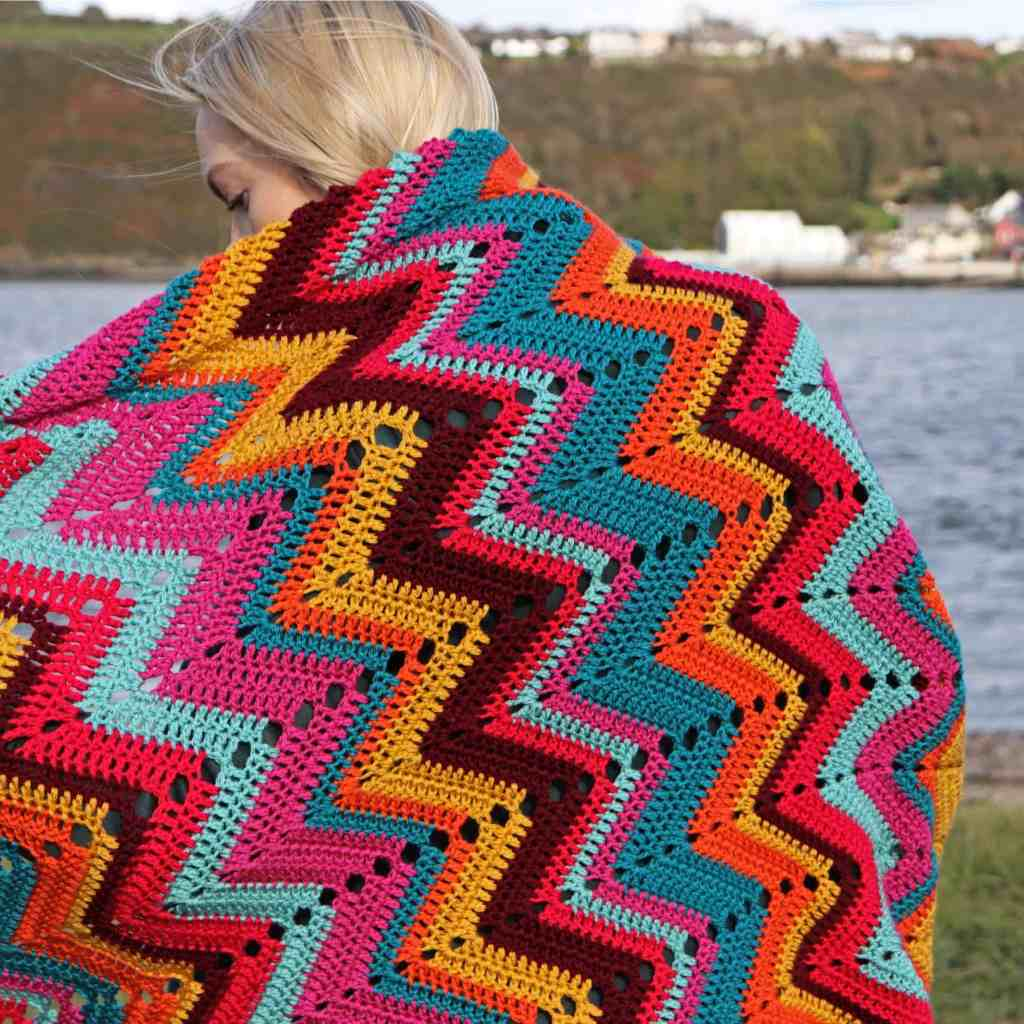 Crochet Blanket – Chevron 'Retro Dazzler'