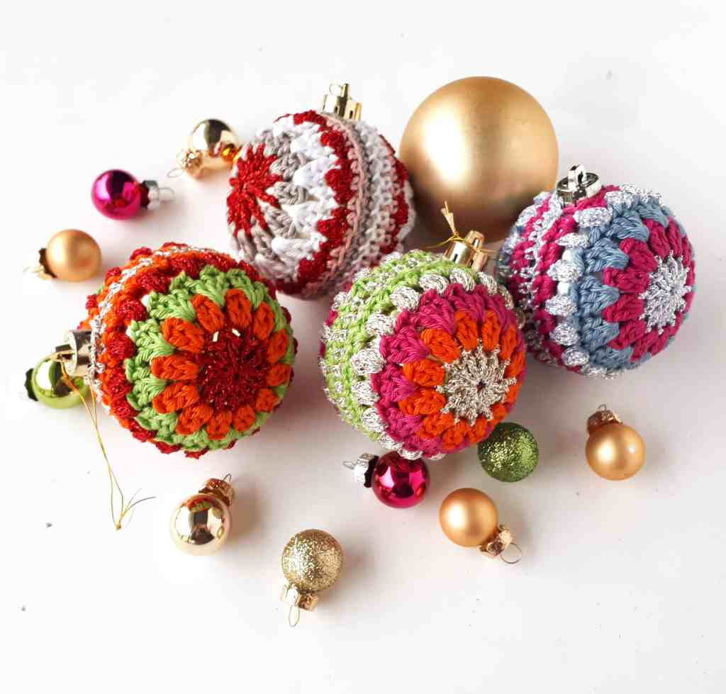Christmas Baubles that sparkle! FREE Pattern