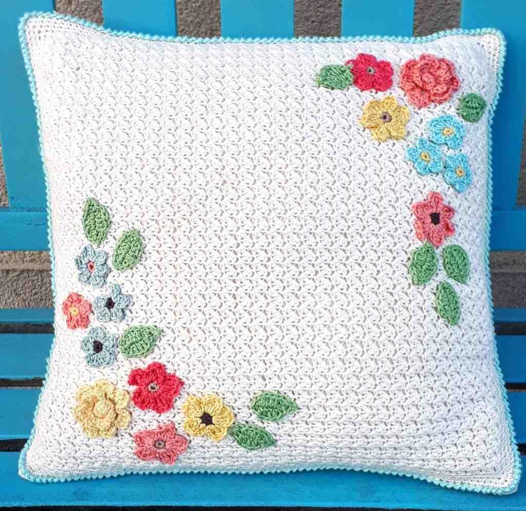 Bloom Pillow – Free Crochet Pattern