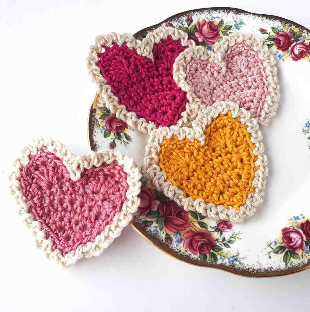 Vintage Crochet Hearts – Free Crochet Pattern