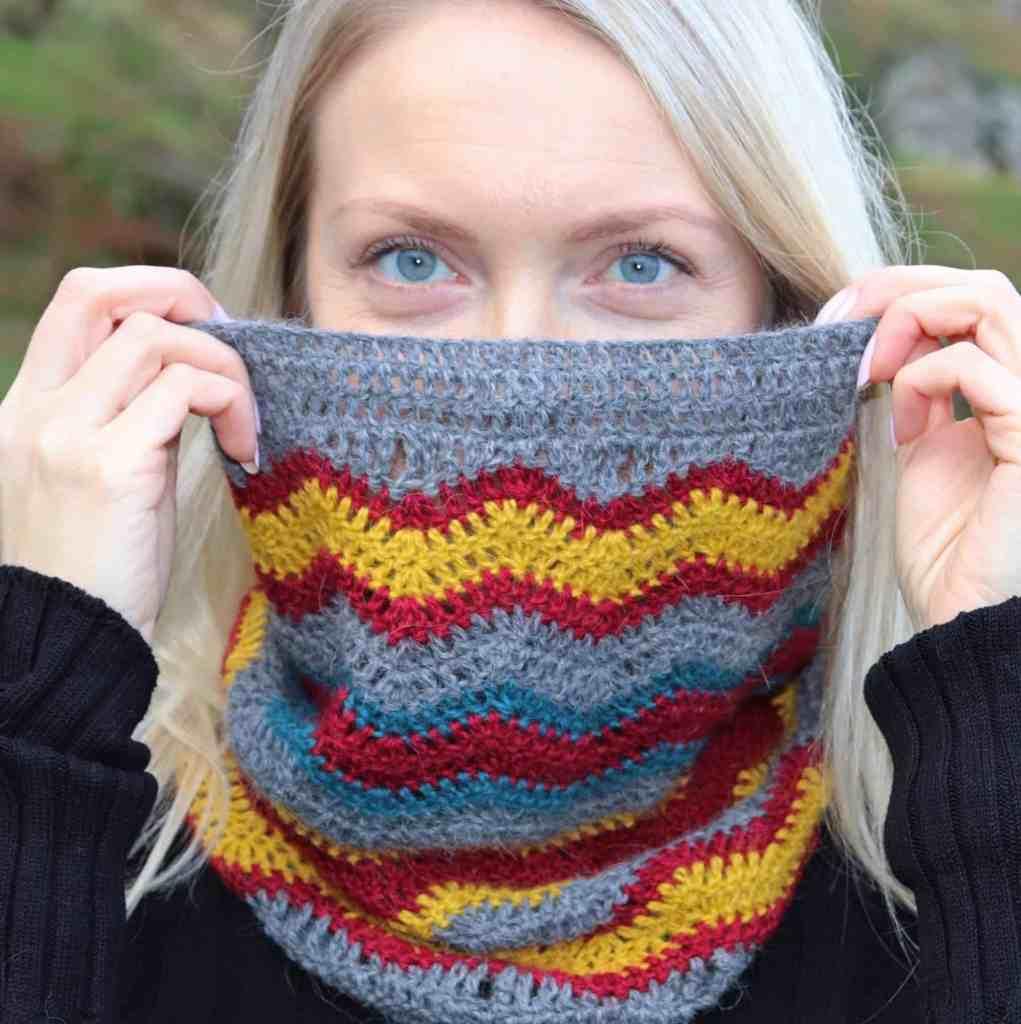 Thunder Bolt Crochet Cowl – Free Crochet Pattern
