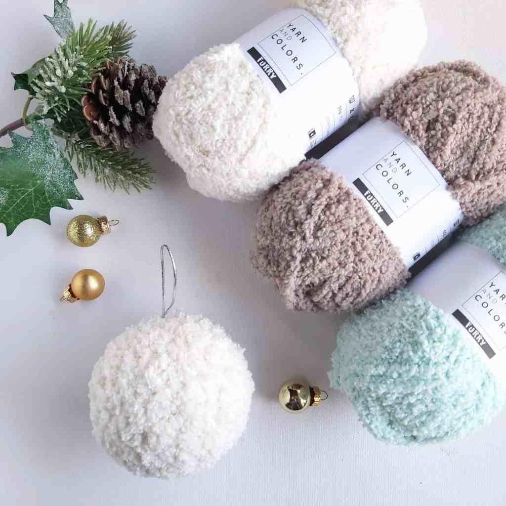 Crochet Furry Snowball Baubles – Free Pattern