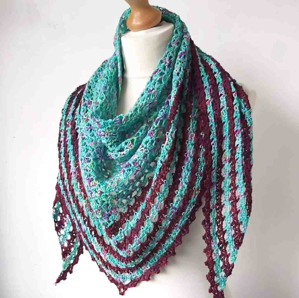 Liáth – Crochet Crescent Shawl – Free Pattern