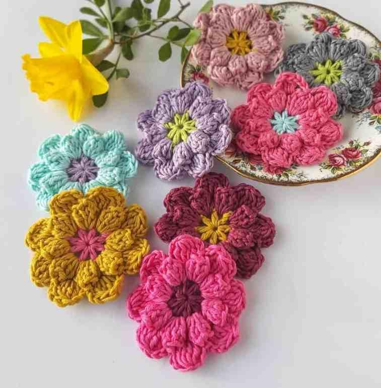 easy crochet flowers pattern