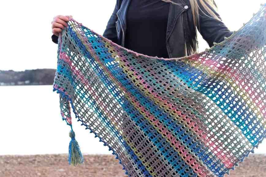 easy asymmetrical crochet shawl pattern