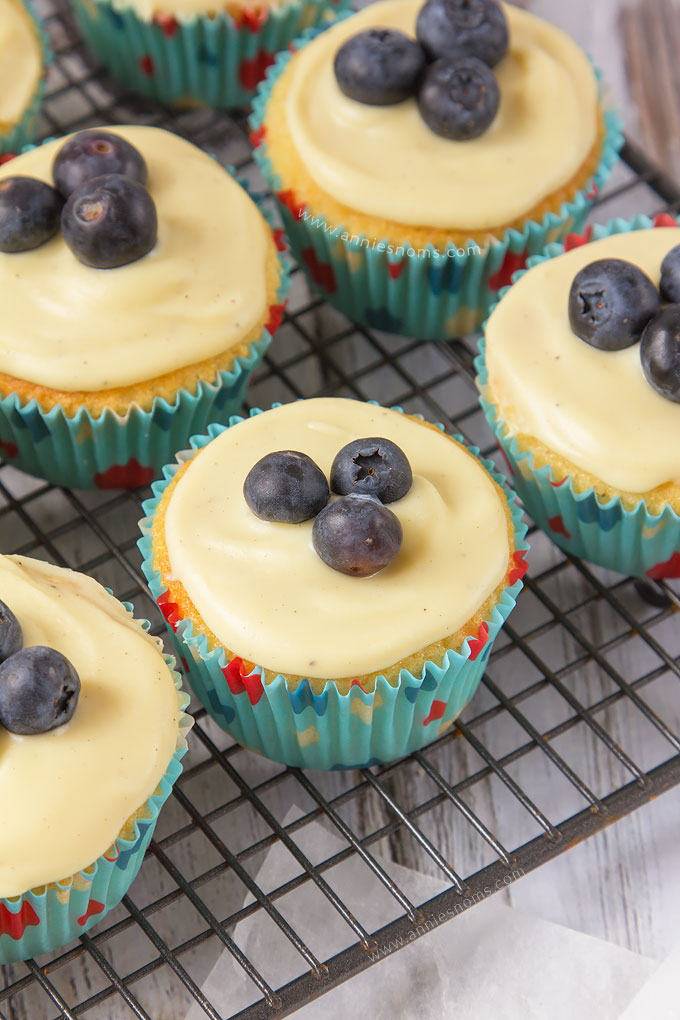 These Blueberry and White Chocolate Cupcakes are my new favourites! A vanilla cake, with a blueberry jam centre topped with melted white chocolate and fresh blueberries. Sweet, flavour filled and the perfect treat for your sweet tooth fix!