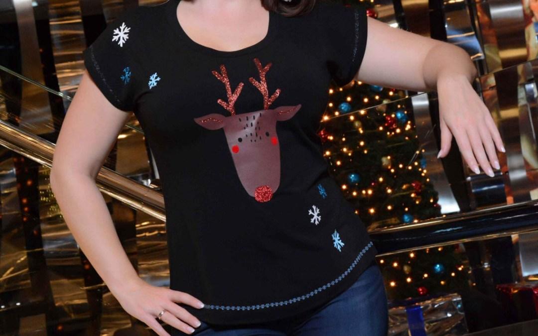 Crazy Christmas: Weihnachts-T-Shirt und Schneeball-Ohrringe
