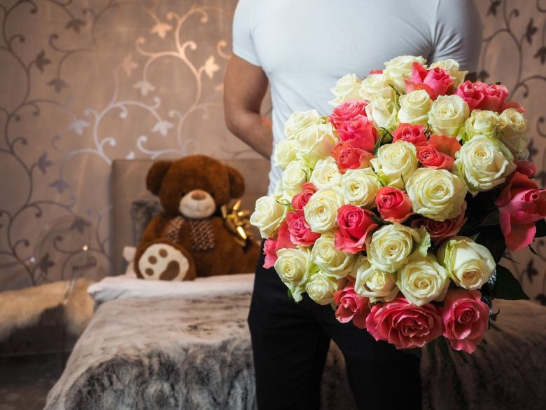 Anniversary Gifts Ideas For Girlfriend