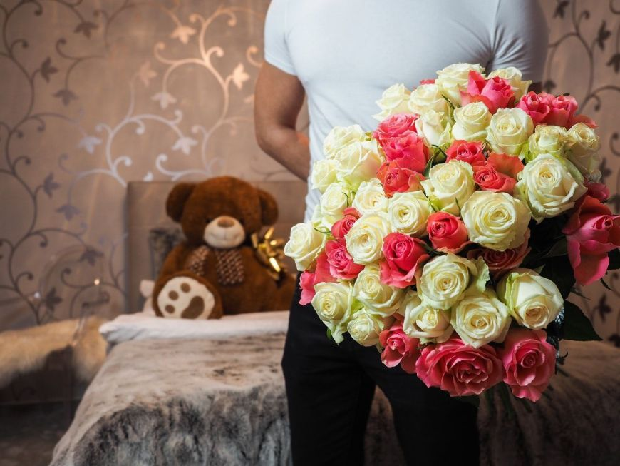Top 10 cute surprise thoughtful anniversary gifts ideas for