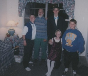 David, Dad, Bryan, Annie, Luke in our Arizona house several years before this story