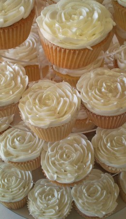 _0004_Buttercream Cup cakes 2.jpg