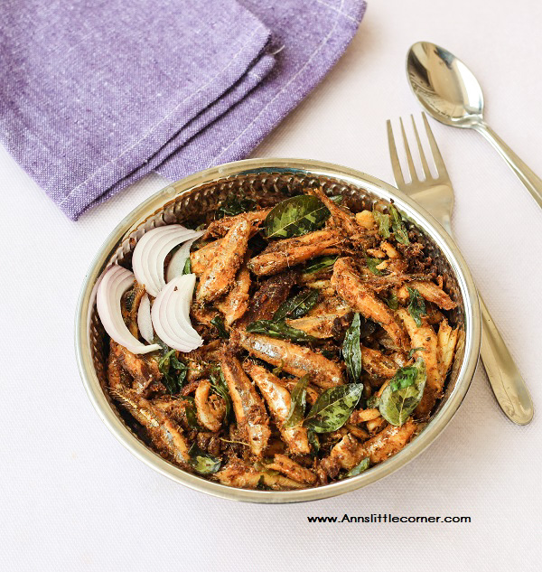 Anchovies Stir Fry / Nethili Meen Varuval